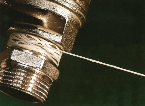 применение специальной нитки